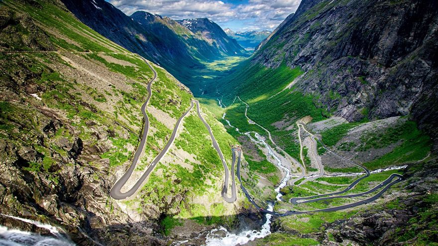 AD-The-Most-Wonderful-Roads-In-The-World-04
