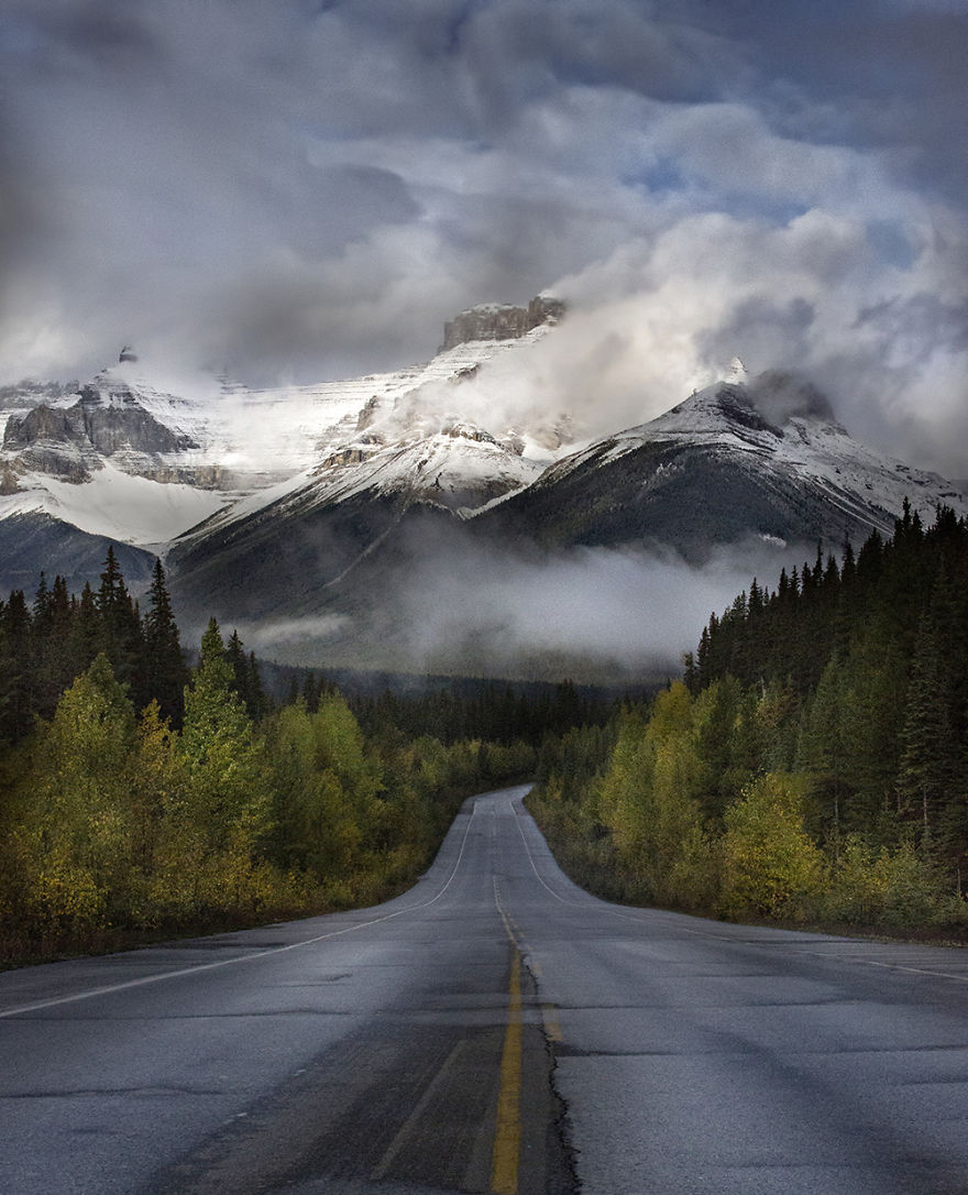 AD-The-Most-Wonderful-Roads-In-The-World-06