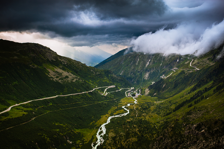 AD-The-Most-Wonderful-Roads-In-The-World-08