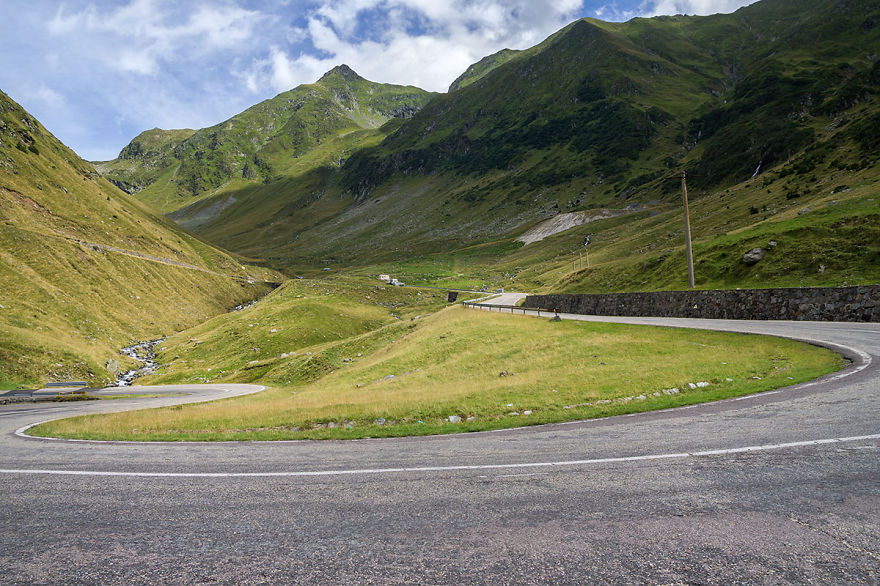 AD-The-Most-Wonderful-Roads-In-The-World-10