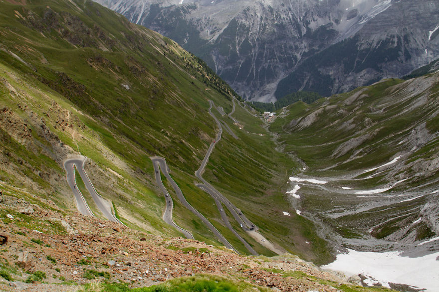 AD-The-Most-Wonderful-Roads-In-The-World-11
