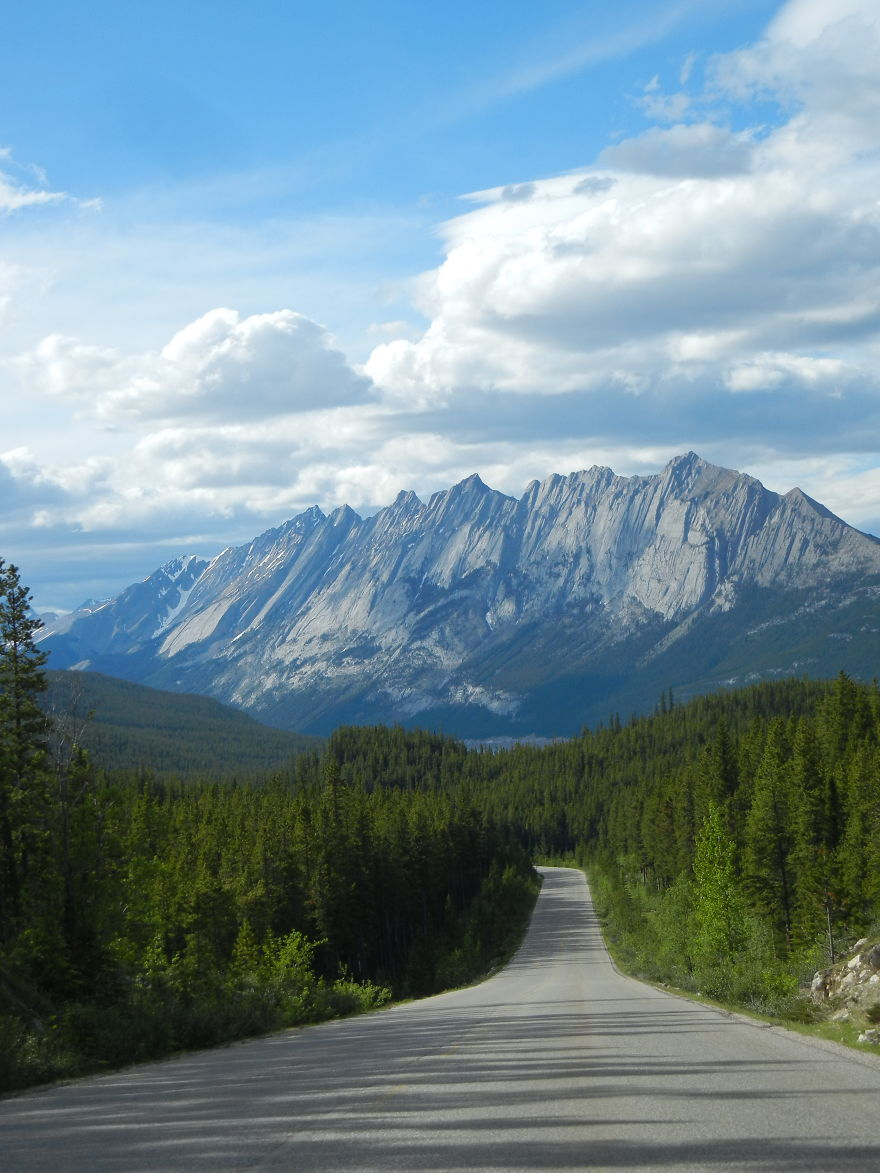 AD-The-Most-Wonderful-Roads-In-The-World-12