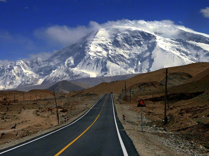 AD-The-Most-Wonderful-Roads-In-The-World-13