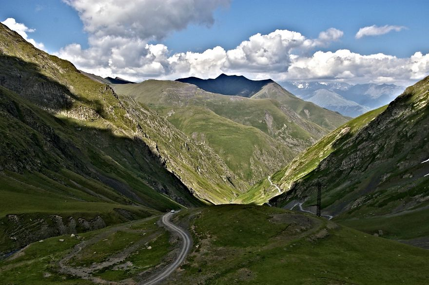 AD-The-Most-Wonderful-Roads-In-The-World-23