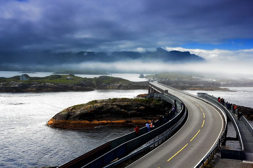 AD-The-Most-Wonderful-Roads-In-The-World-29