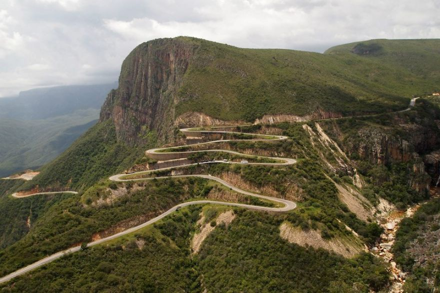 AD-The-Most-Wonderful-Roads-In-The-World-30