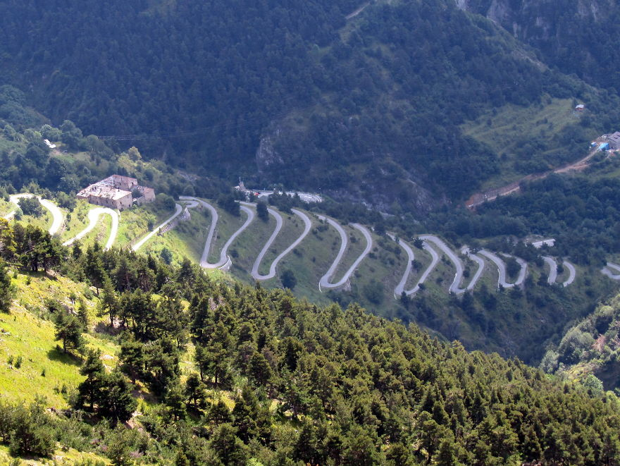 AD-The-Most-Wonderful-Roads-In-The-World-33