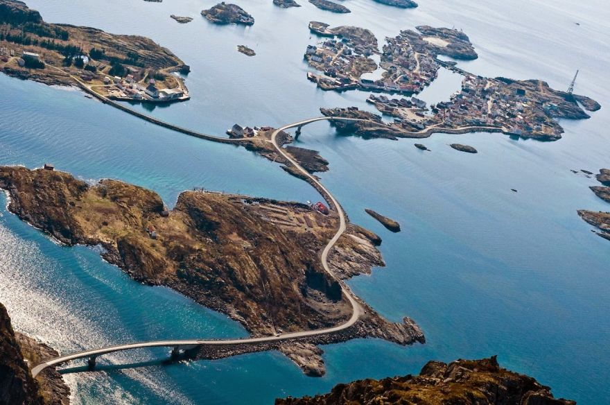 AD-The-Most-Wonderful-Roads-In-The-World-40