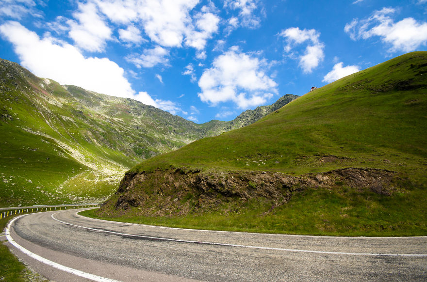 AD-The-Most-Wonderful-Roads-In-The-World-50