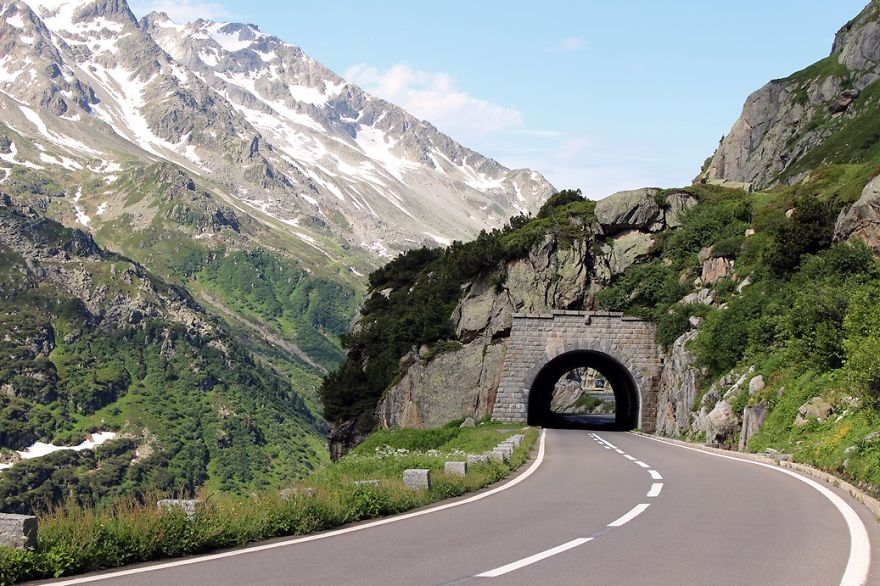 AD-The-Most-Wonderful-Roads-In-The-World-54
