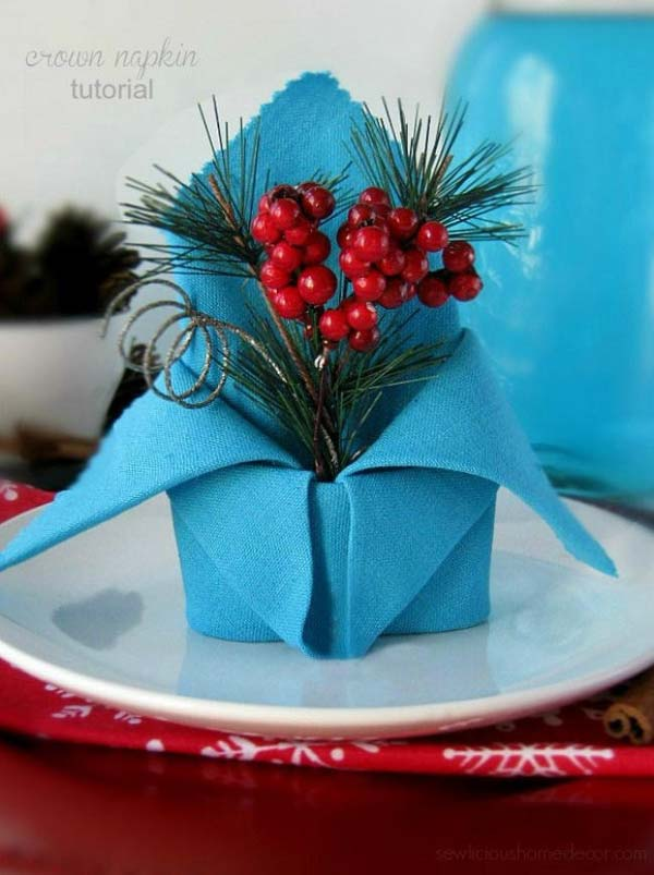 04-Holiday-Crown-Napkin-Fold-AD