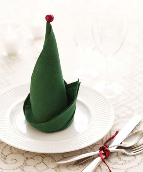 10-The-Elf-Hat-Napkin-Fold-AD