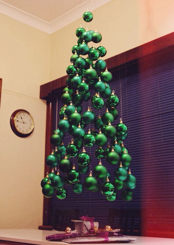 AD-100+-Of-The-Most-Creative-Christmas-Trees-Ever-01