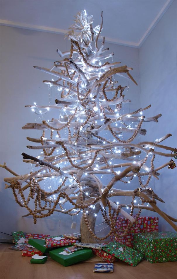 AD-100+-Of-The-Most-Creative-Christmas-Trees-Ever-04