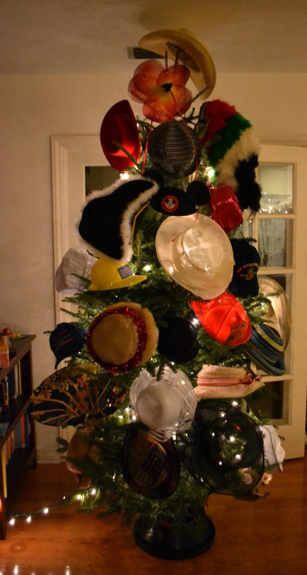 AD-100+-Of-The-Most-Creative-Christmas-Trees-Ever-101