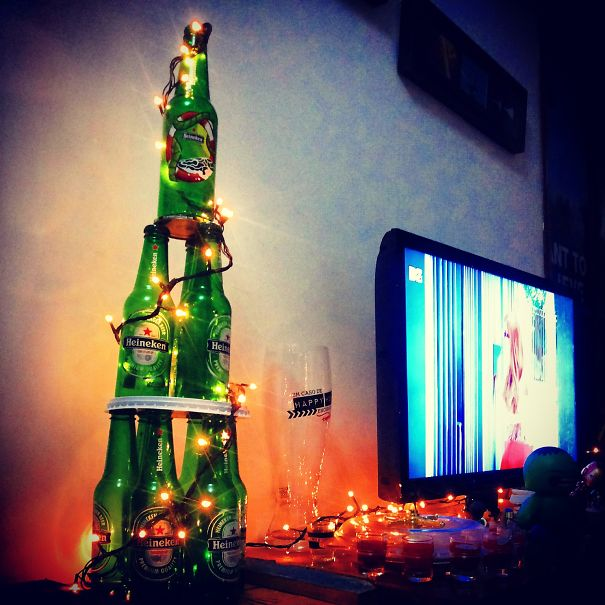 AD-100+-Of-The-Most-Creative-Christmas-Trees-Ever-113