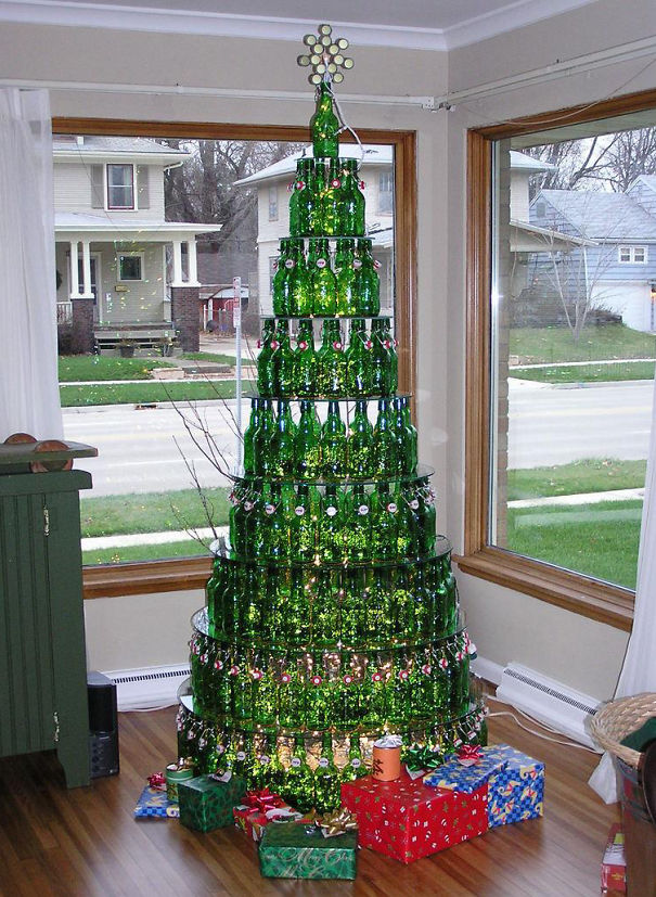 AD-100+-Of-The-Most-Creative-Christmas-Trees-Ever-19