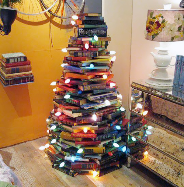 AD-100+-Of-The-Most-Creative-Christmas-Trees-Ever-25