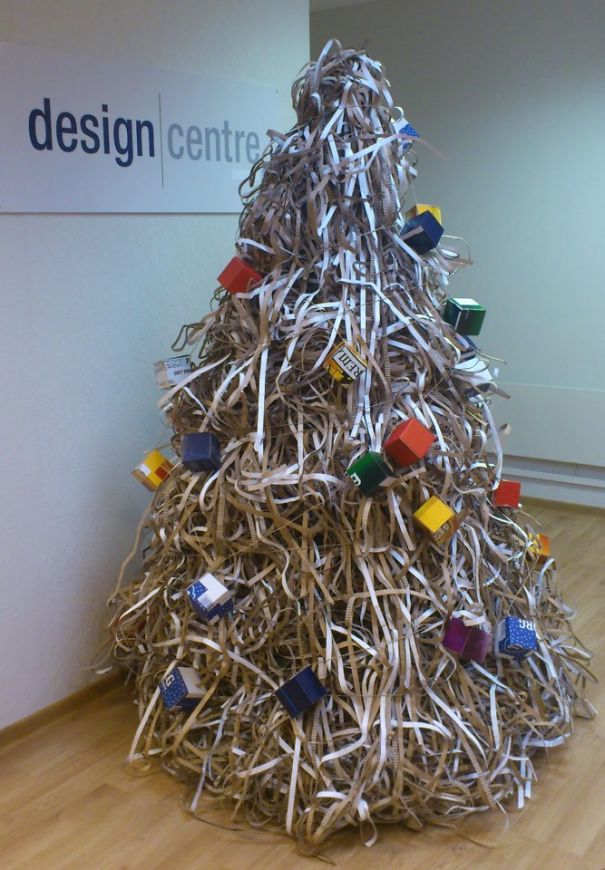 AD-100+-Of-The-Most-Creative-Christmas-Trees-Ever-48