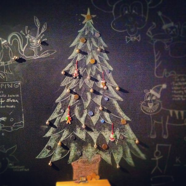 AD-100+-Of-The-Most-Creative-Christmas-Trees-Ever-49