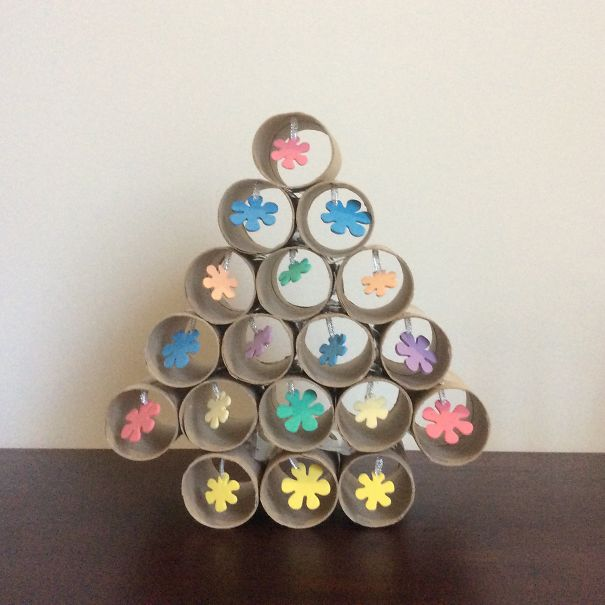 AD-100+-Of-The-Most-Creative-Christmas-Trees-Ever-62