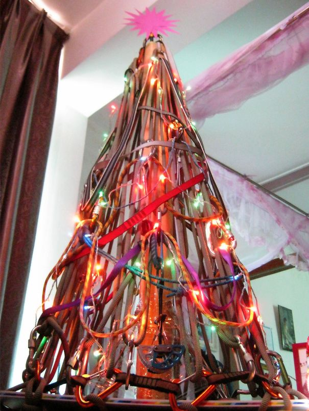 AD-100+-Of-The-Most-Creative-Christmas-Trees-Ever-72