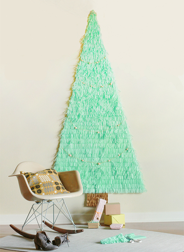 AD-100+-Of-The-Most-Creative-Christmas-Trees-Ever-73