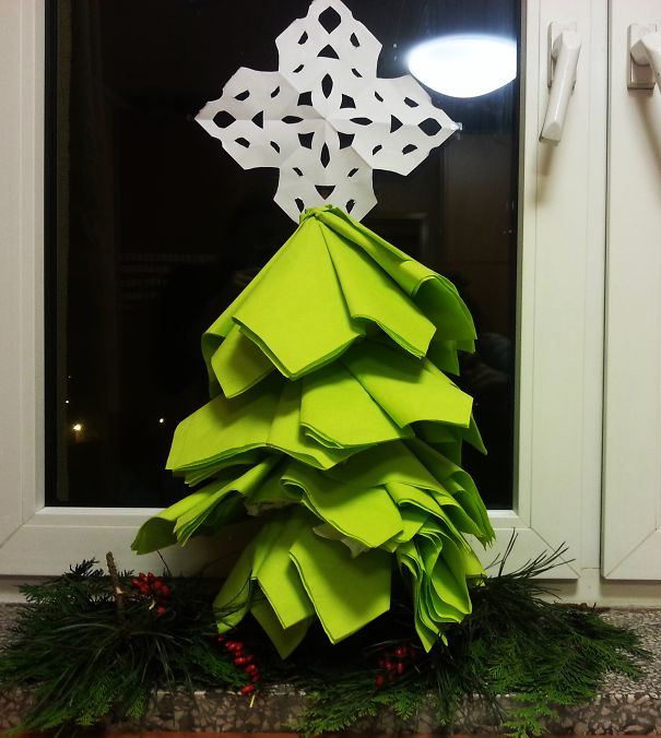 AD-100+-Of-The-Most-Creative-Christmas-Trees-Ever-91