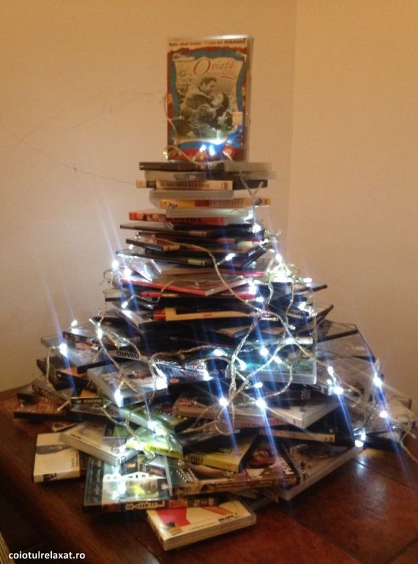 AD-100+-Of-The-Most-Creative-Christmas-Trees-Ever-94