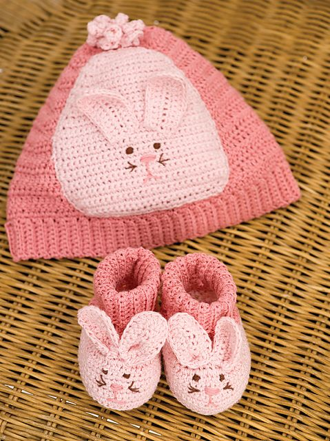 AD-Adorable-And-FREE-Crochet-Baby-Booties-Patterns-06