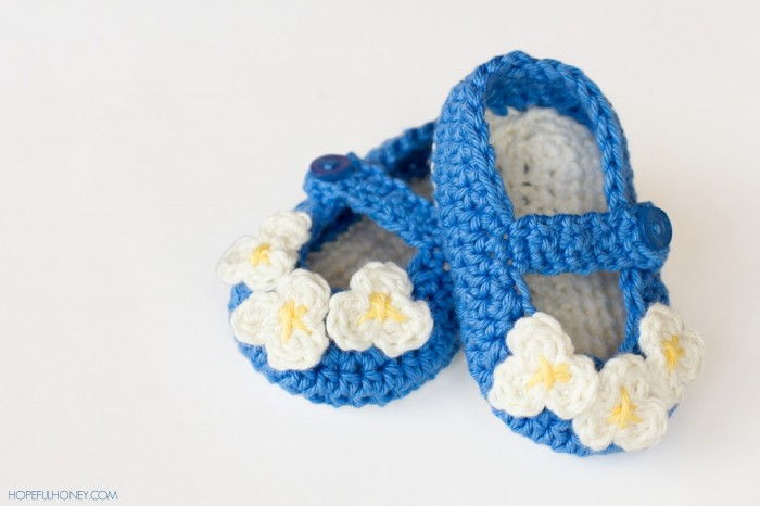 AD-Adorable-And-FREE-Crochet-Baby-Booties-Patterns-08