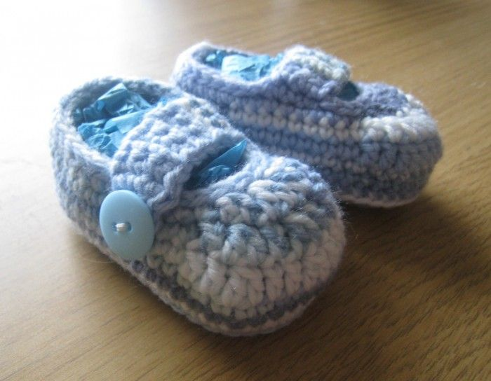 AD-Adorable-And-FREE-Crochet-Baby-Booties-Patterns-18
