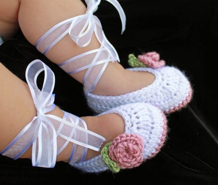 AD-Adorable-And-FREE-Crochet-Baby-Booties-Patterns-21