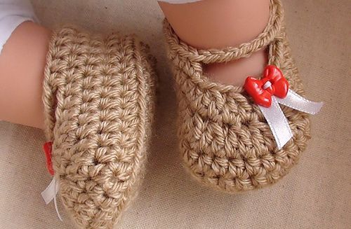 AD-Adorable-And-FREE-Crochet-Baby-Booties-Patterns-27