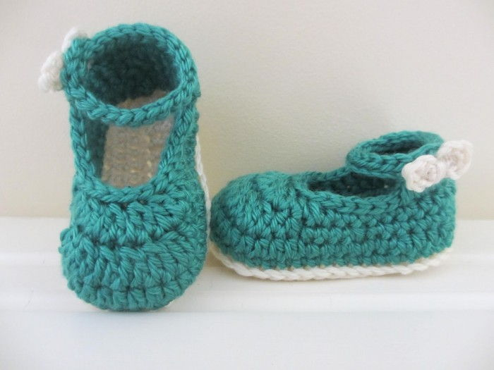 AD-Adorable-And-FREE-Crochet-Baby-Booties-Patterns-32