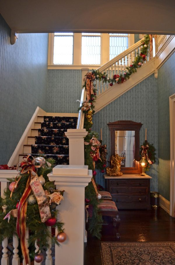 AD-Beautiful-Christmas-Stairs-Decoration-Ideas-05