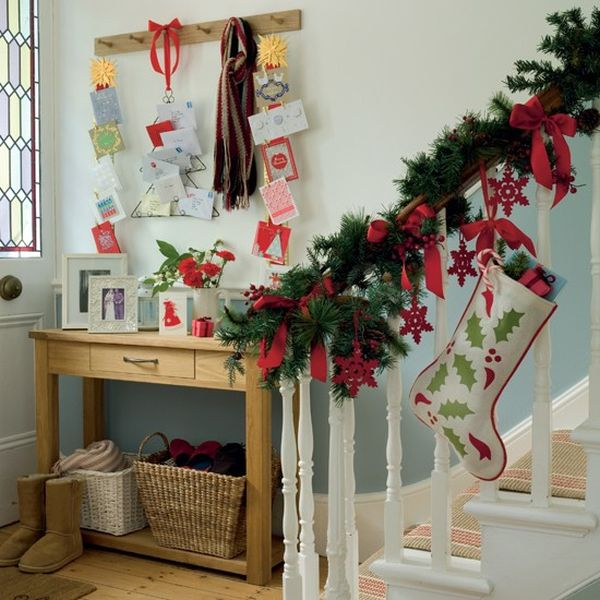 AD-Beautiful-Christmas-Stairs-Decoration-Ideas-06