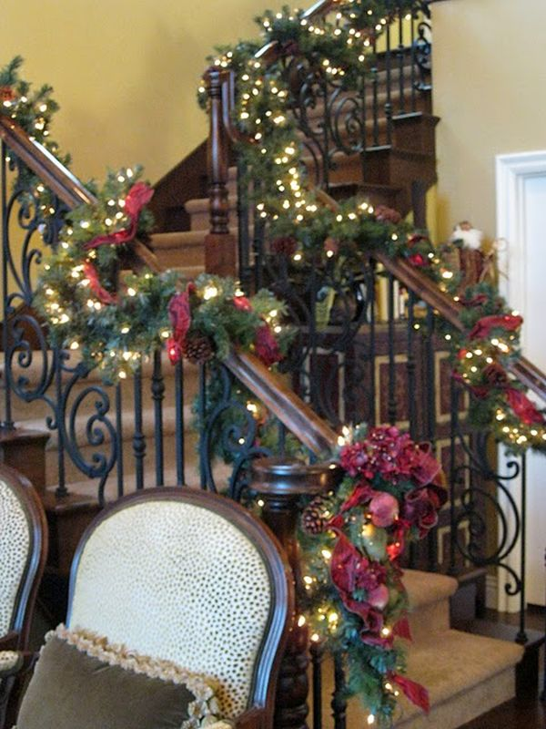 AD-Beautiful-Christmas-Stairs-Decoration-Ideas-07