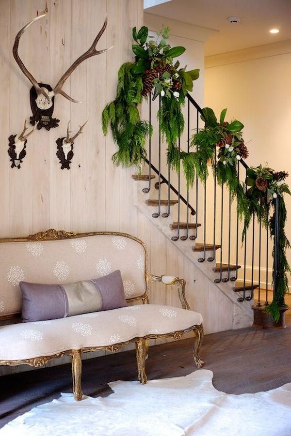 AD-Beautiful-Christmas-Stairs-Decoration-Ideas-12