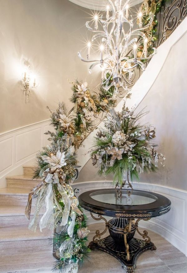 AD-Beautiful-Christmas-Stairs-Decoration-Ideas-13
