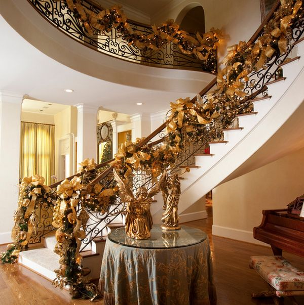 AD Beautiful Christmas Stairs Decoration Ideas 22