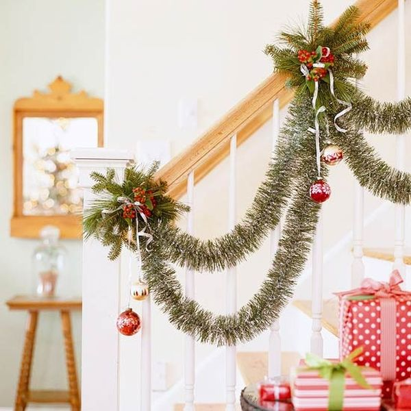 AD-Beautiful-Christmas-Stairs-Decoration-Ideas-25