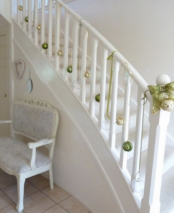 ad beautiful christmas stairs decoration ideas 26