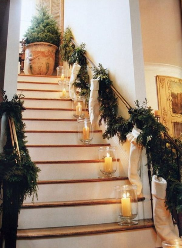 AD Beautiful Christmas Stairs Decoration Ideas 27