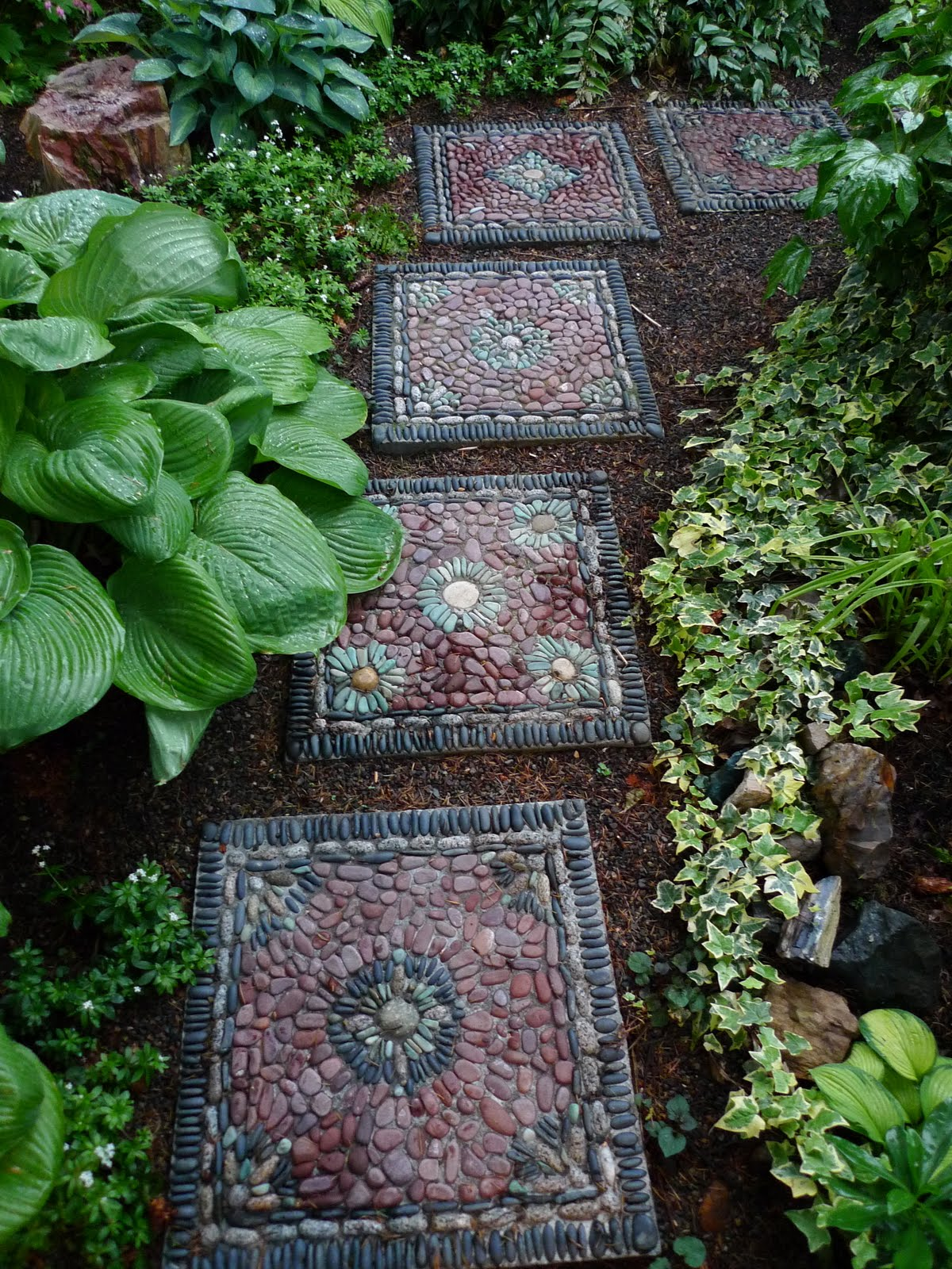 30 Beautiful DIY Stepping Stone Ideas To Decorate Your Garden ...