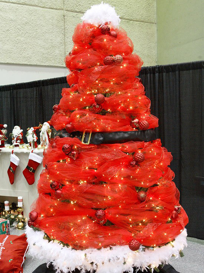 ad colorful and sweet christmas tree decorating ideas - Santa Trees