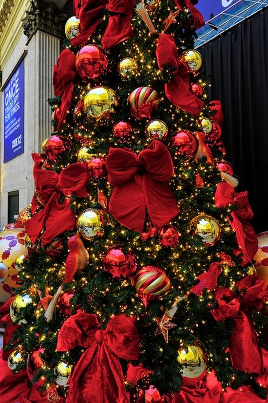 ad colorful and sweet christmas tree decorating ideas - Red And Gold Christmas Tree Decoration Ideas