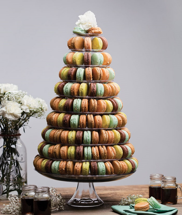AD-Colorful-And-Sweet-Christmas-Tree-Decorating-Ideas-09