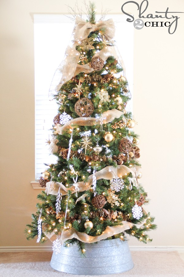 AD-Colorful-And-Sweet-Christmas-Tree-Decorating-Ideas-20