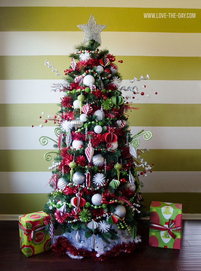 The Most Colorful And Sweet Christmas Trees And ...